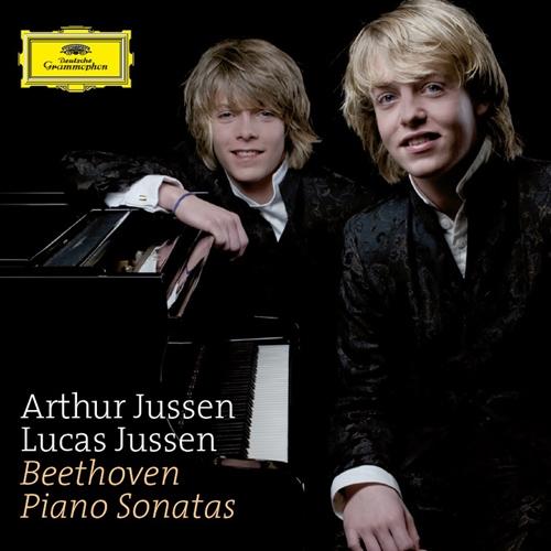 Beethoven - Piano Sonatas, Arthur Jussen & Lucas Jussen (베토벤 : 피아노 소나타 5번, 8번 비창, 13번, 14번 월광, 발트슈타인 백작 주제에 의한 8개의 변주곡 : 유센)