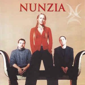 Nunzia – Instincts Présents [수입]